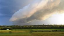 strange cloud sculpting formation