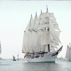3 sailing ships